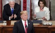 Hạ viện Mỹ chuyền bóng cho ông Pence trước khi áp sát Tổng thống Trump