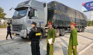 Cận cảnh vụ bắt giữ 14 xe container chở 300 tấn hàng lậu rồng rắn từ Trung Quốc về