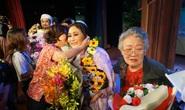 Các nghệ sĩ vở Áo cưới trước cổng chùa hạnh phúc khi đoạt giải Mai Vàng