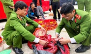 Chặn xe giường nằm, cảnh sát phát hiện 83 kg pháo nổ Trung Quốc