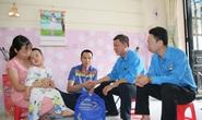 Hết lòng với công nhân (*): Mang Xuân đến đoàn viên
