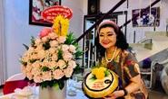 Kỳ nữ Kim Cương tự thưởng sinh nhật bằng chương trình Nghệ sĩ tri âm