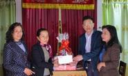 Trao quà Xuân nhân ái - Tết yêu thương cho 2 giáo viên mắc bệnh hiểm nghèo