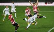 Real Madrid giương cờ trắng trong cuộc đua vô địch La Liga