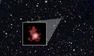Quái vật vũ trụ vượt thời gian 13,4 tỉ năm, tỏa sáng tới Trái Đất