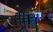 Trắng đêm mưu sinh ở chợ đầu mối ngày giáp Tết