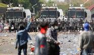 Đảo chính tại Myanmar: Người biểu tình bị đạn cao su ghim vào đầu