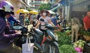 Đi chợ TP HCM 30 Tết: Hàng hóa dồi dào, giá cả không tăng