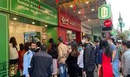 Không về quê hay đi du lịch, người Hà Nội kiên nhẫn xếp hàng ăn kem Tràng Tiền đầu xuân
