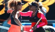 Hạ Serena Williams, Naomi Osaka chạm một tay vào cúp vô địch Úc mở rộng 2021