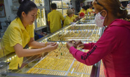 Giá vàng hôm nay 24-2: SJC đứng yên, vàng trang sức giảm mạnh