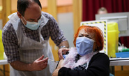 Gấp rút tìm vắc-xin Covid-19 thế hệ mới