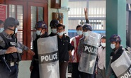 Quân đội Myanmar đối mặt sức ép gia tăng