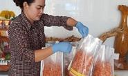 Đặc sản Tết miền Tây tràn ngập chợ mạng