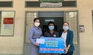 Trao 50 triệu đồng giúp bé gái bị phỏng nặng, không có tiền chữa trị