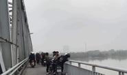 Để lại xe máy và thư tuyệt mệnh trên cầu, người đàn ông nhảy xuống sông tự tử