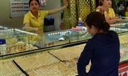 Giá vàng hôm nay 20-3: Bốc đầu vọt lên dù các quỹ đầu tư bán tiếp 4 tấn vàng