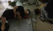Trần chung cư bất ngờ thủng, 2 nam nữ nhân viên bất động sản rơi xuống đất bị thương