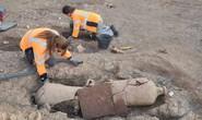Mộ cổ lạ trên đảo kho báu: 40 người bị niêm phong trong bình rượu khổng lồ
