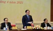 Chủ tịch Quốc hội Vương Đình Huệ lắng nghe đại biểu Quốc hội hiến kế