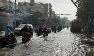 Nhiều nơi ở TP HCM ngập sau cơn mưa lớn rạng sáng