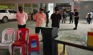 Tướng Campuchia bị Thủ tướng sờ gáy vì tiệc tùng giữa dịch Covid-19