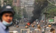 """Myanmar: Vũ khí tự chế """"vô hiệu"""", nhiều người biểu tình thiệt mạng"""