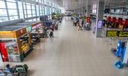 Khách bay sụt giảm mạnh, sân bay vắng hoe
