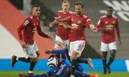 Thua Leicester sân nhà, Man United dâng chức vô địch cho Man City