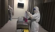 Hình ảnh lấy mẫu xét nghiệm Covid-19 ở toàn bộ các bệnh viện tại TP HCM lúc nửa đêm