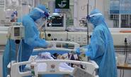16 bệnh nhân Covid-19 nguy kịch, 1 bác sĩ phải thở oxy