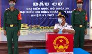 Cảnh sát biển và cử tri tại 3 đảo ở miền Tây đi bầu cử sớm
