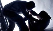 Cô giáo đưa học sinh lên công an tố cáo người cha hiếp dâm 2 con