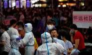 Trung Quốc: Covid-19 lây mạnh, dân Quảng Châu rồng rắn chờ xét nghiệm
