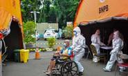 Indonesia: Bệnh nhân Covid-19 tử vong, nằm trước cửa nhà 12 giờ