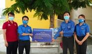 Báo Người Lao Động tiếp sức lực lượng chống dịch Covid-19 quận Bình Tân