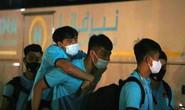 Tuấn Anh, Văn Toàn trấn an về chấn thương sau hàng loạt pha phạm lỗi của cầu thủ Indonesia