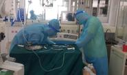 Bác sĩ giải thích vì sao Việt Nam không điều trị bệnh nhân Covid-19 tại nhà