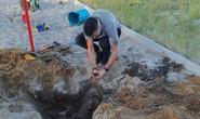 Nghịch cát, bé tiểu học phát hiện mộ cổ 2.000 năm, có thể đầy vàng