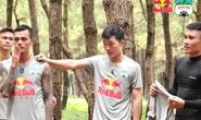HLV Kiatisuk nhồi thể lực Xuân Trường, Minh Vương sau tin hoãn V-League