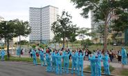 Niềm vui của hàng trăm người hoàn thành cách ly ở TP HCM