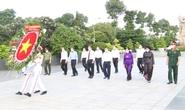 Lãnh đạo TP HCM dâng hoa, dâng hương tưởng niệm các anh hùng liệt sĩ