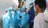 Bí thư Thành ủy TP HCM Nguyễn Văn Nên thăm, động viên người dân trong khu nhà trọ