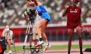 Chia sẻ HCV, 2 nhà vô địch nhảy cao khiến thế giới ngả mũ thán phục