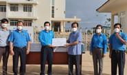 LĐLĐ Đắk Lắk thăm hỏi, tặng quà cho các cơ sở tuyến đầu chống dịch