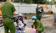 Chiến sĩ công an, bộ đội đỡ đẻ cho thai phụ ngay trên vỉa hè