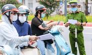 Hà Nội: Cảnh báo nguy cơ lây lan dịch Covid-19 tại các chốt kiểm soát giấy đi đường