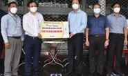 Lãnh đạo TP HCM thăm, tặng quà đơn vị y tế