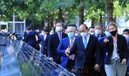 Chủ tịch nước Nguyễn Xuân Phúc thăm Khu tưởng niệm nạn nhân vụ khủng bố 11-9