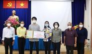Lãnh đạo TP HCM trao túi an sinh cho người dân khó khăn ở Nhà Bè